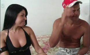Morena brasileira muito top toda gostosona fodendo forte no cu