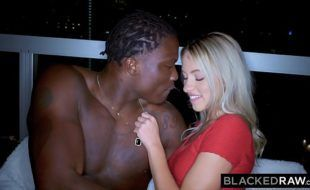 Video xnxn interracial negão comendo patricinha loira deliciosa