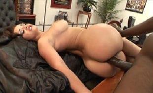 Porno samba interracial negão comendo peituda cavala